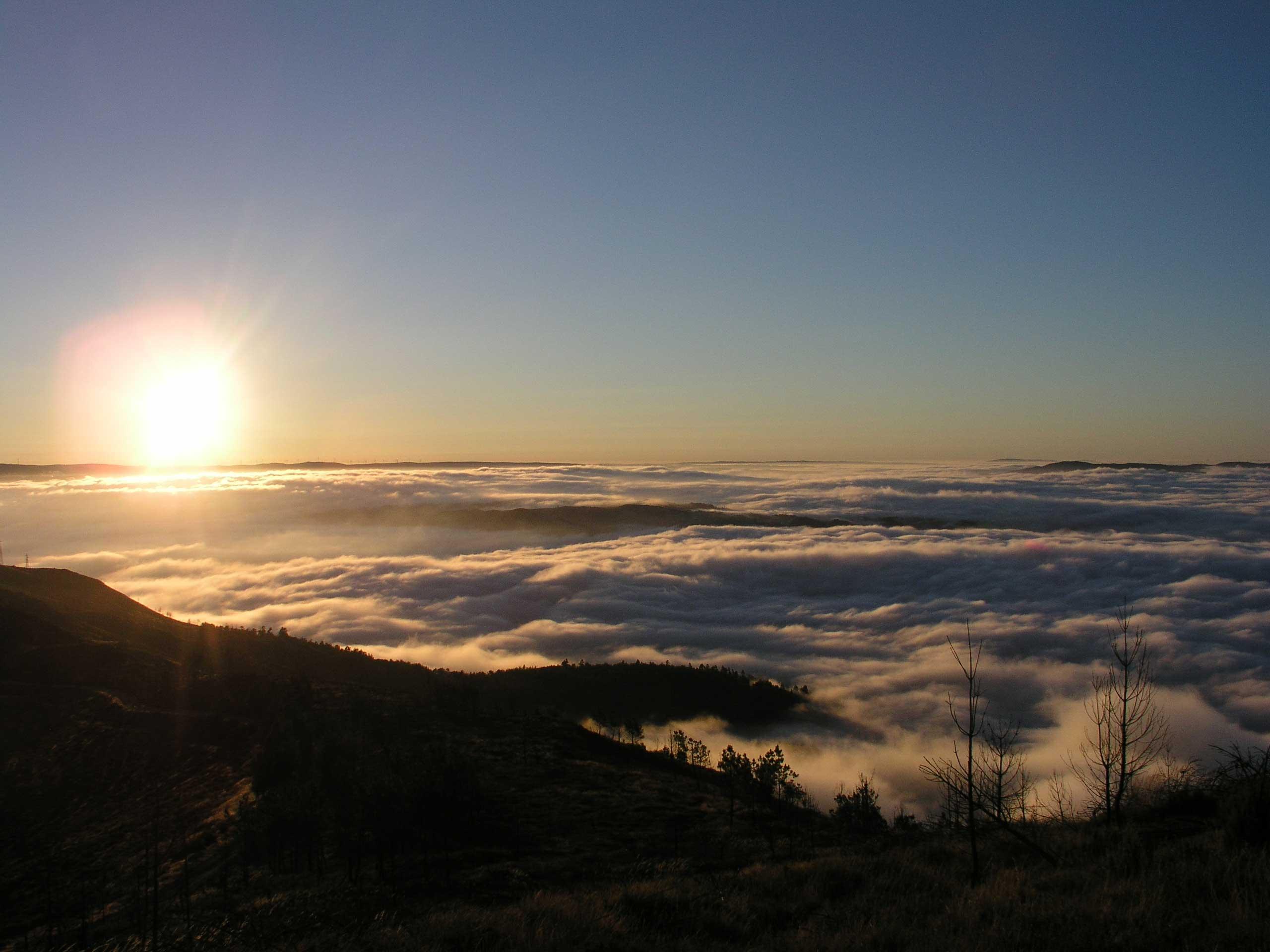 Resultado de imagem para imagens de nascer do sol na serra